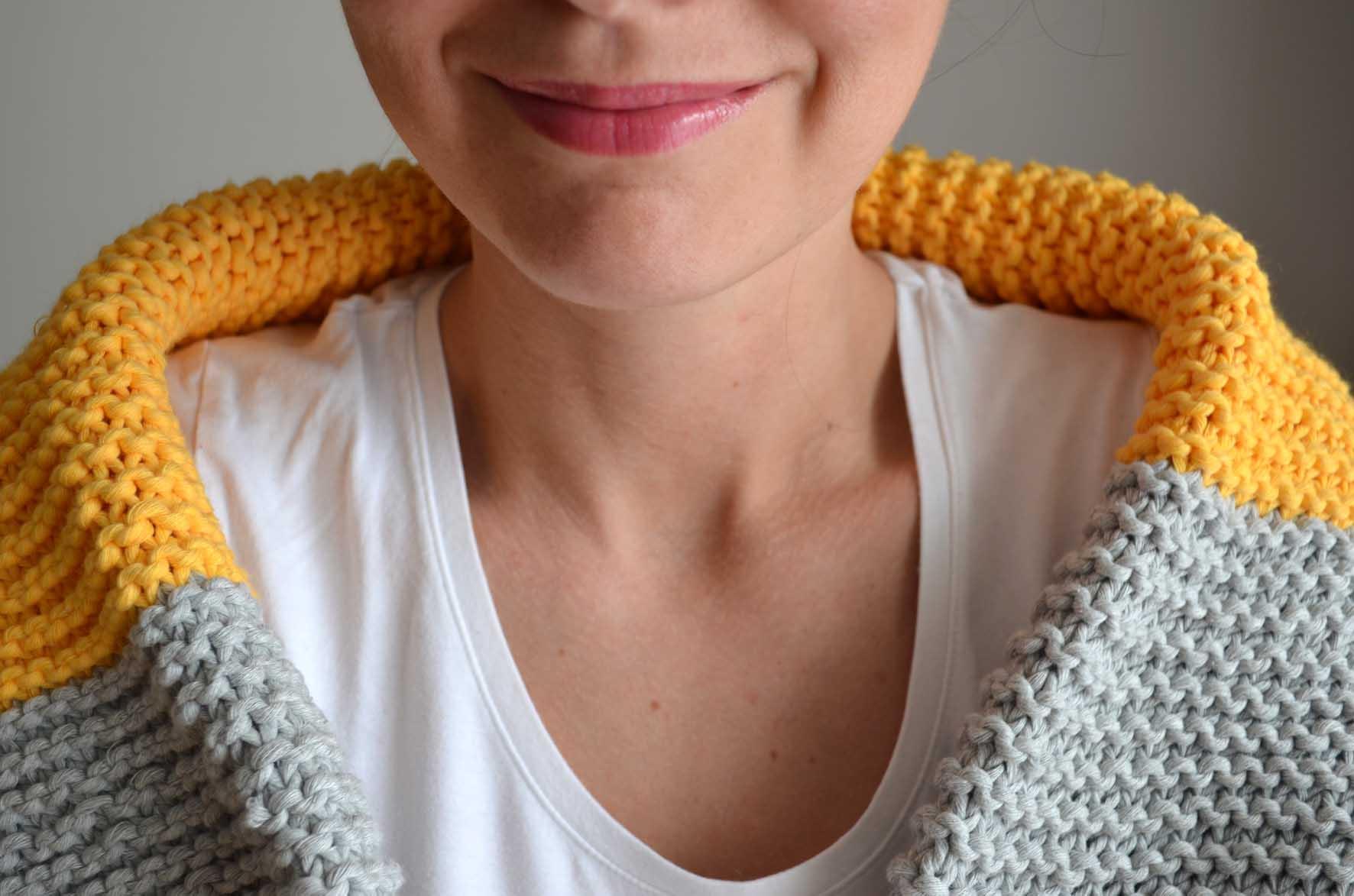 apprendre a tricoter une echarpe point mousse