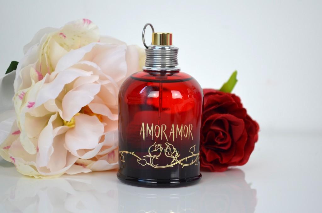 Amor-amor-mon-parfum-du-soir-cacharel