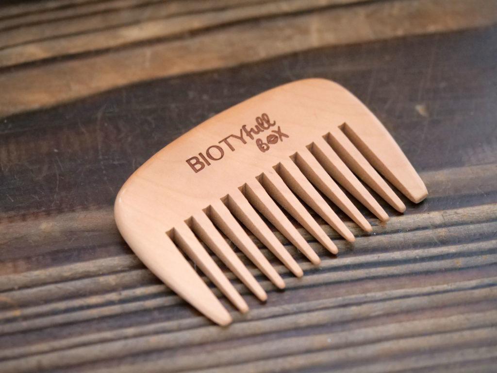peigne en bois Biotyfull Box