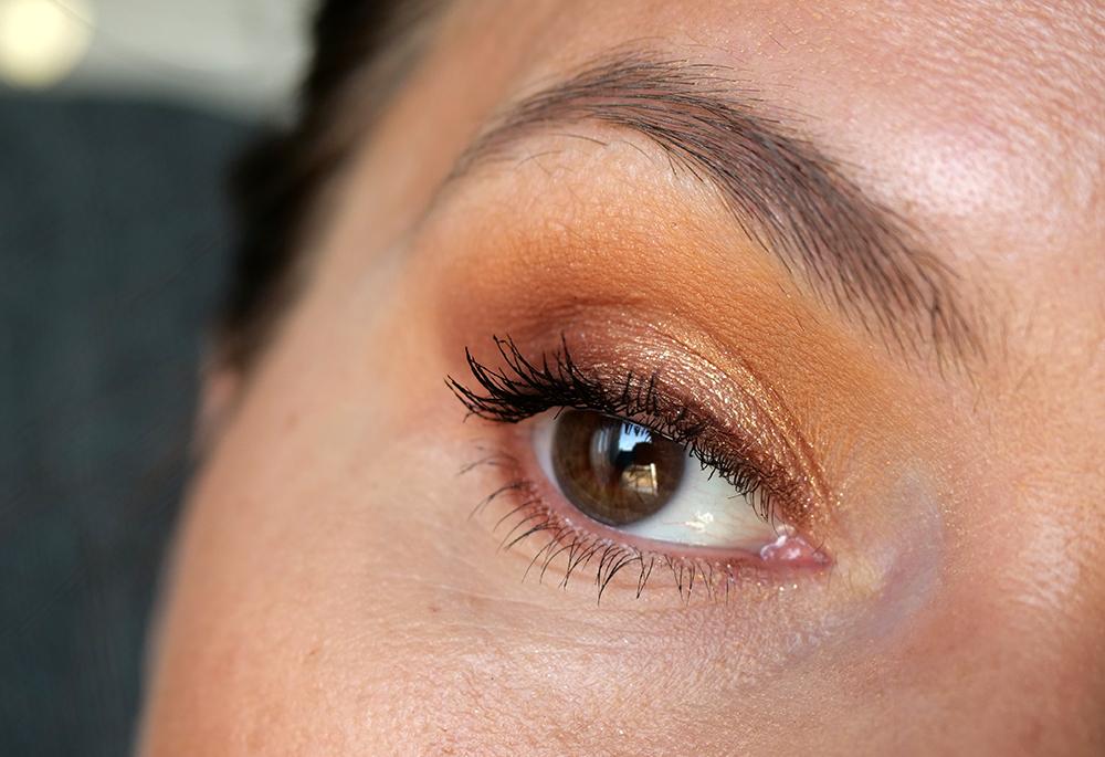 Mascara Volume effet faux cils Yves Saint Laurent swatch