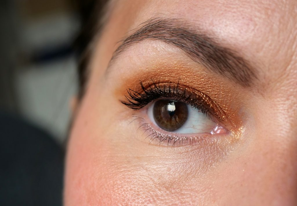Brown Obsessions tofee Huda Beauty look